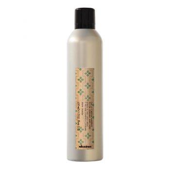 tia medium hair spray